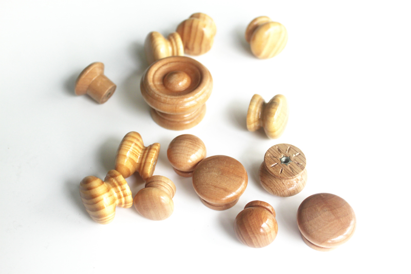 Small round wooden knobs wooden cupboard knobs china for Small door knobs and handles